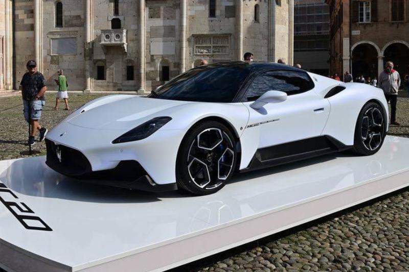 ITALY-HEALTH-VIRUS-MASERATI-AUTO-CAR