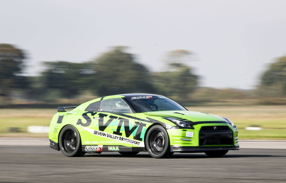 Straightliners top speed & wheelie event