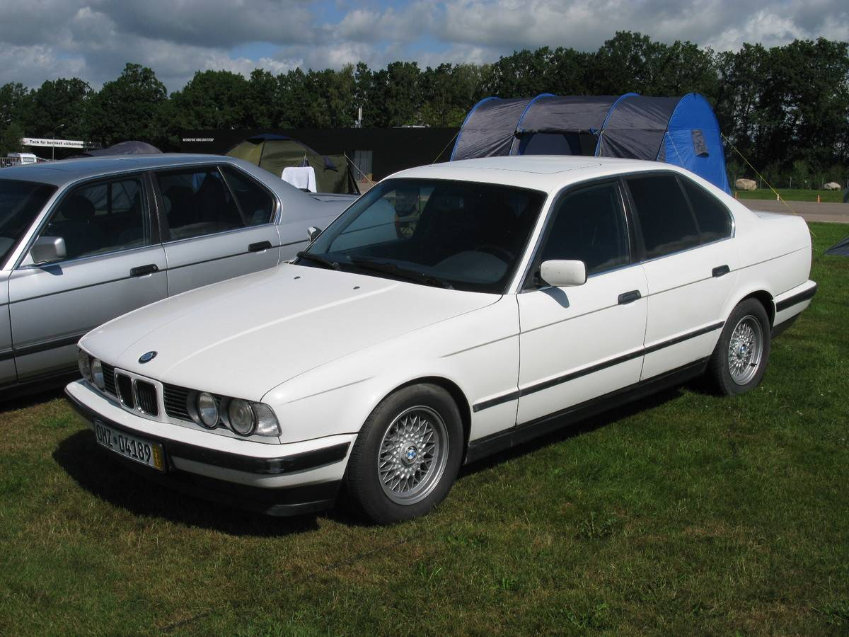 BMW_5_Series_E34_(7719228556)
