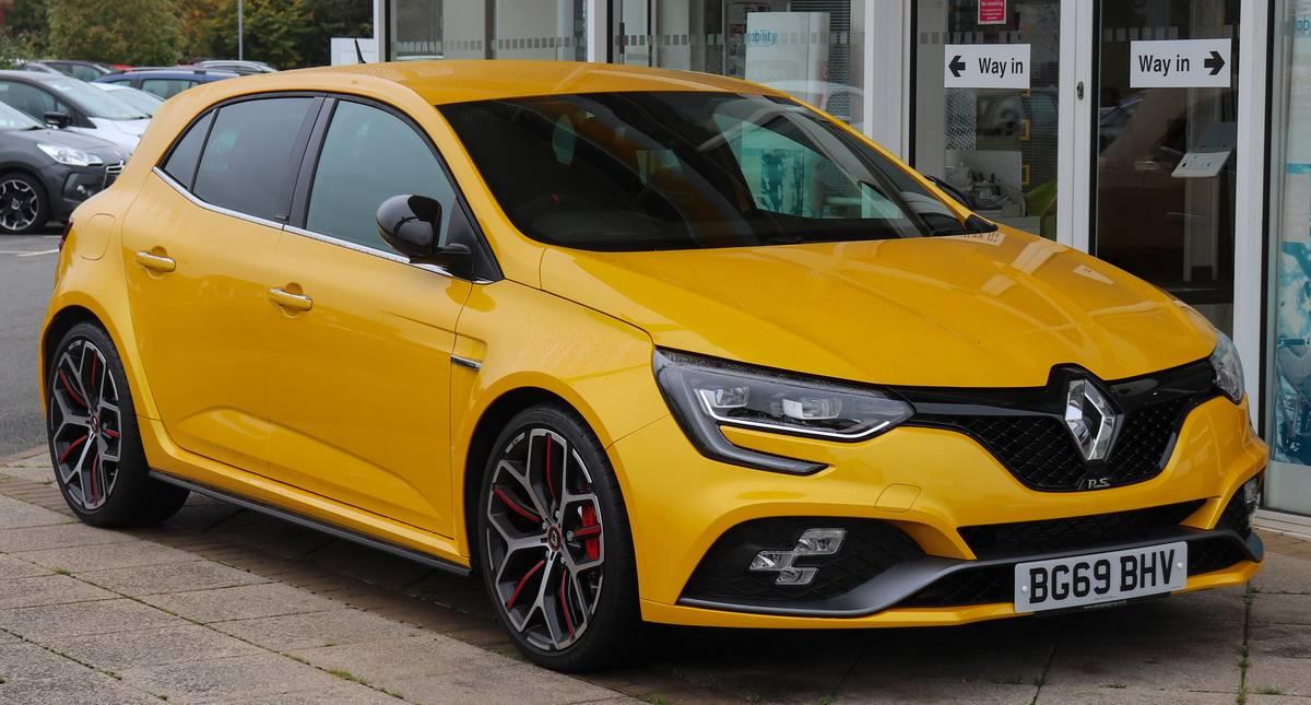 2019_Renault_Megane_R.S._300_Trophy_1.8_Front
