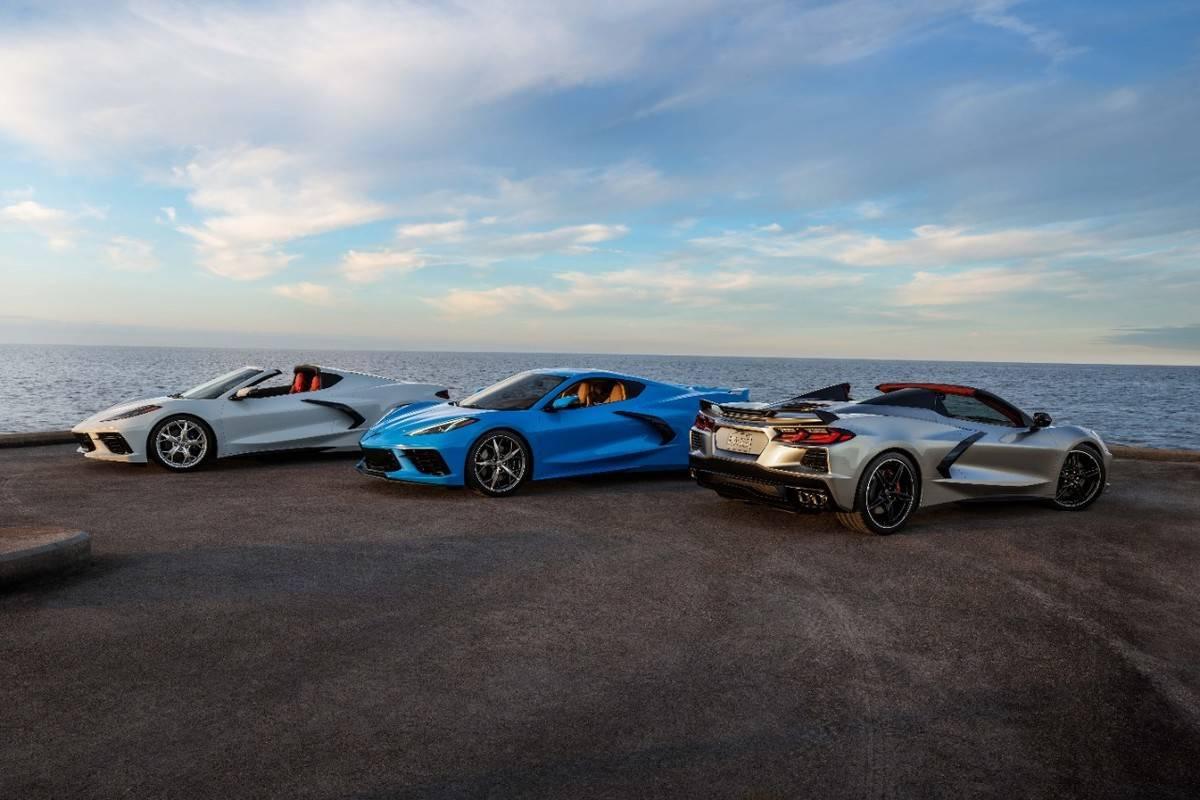 2021-Chevrolet-Corvette-Stingray-Coupe-Convertible