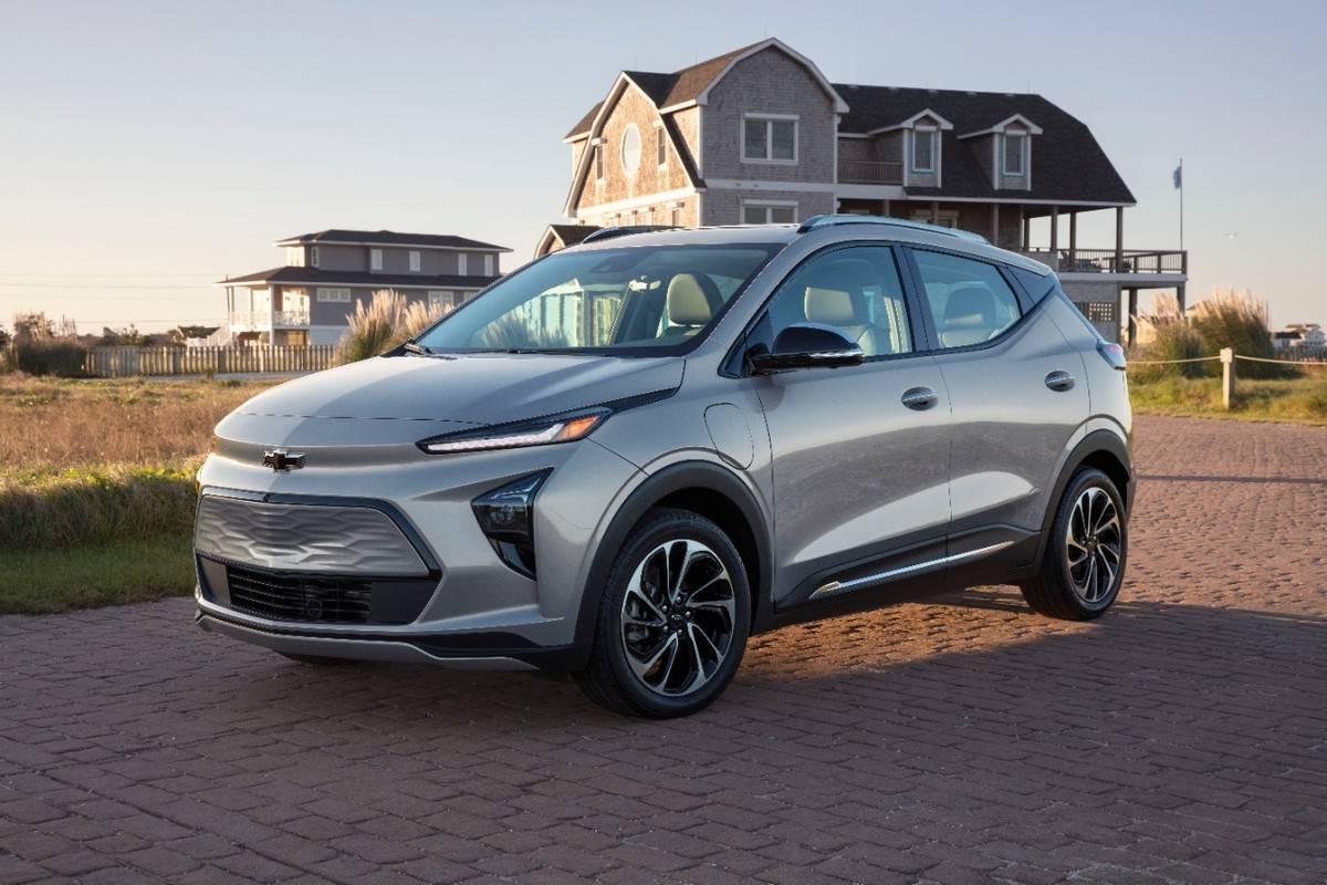 2022-Chevrolet-BoltEUV-001
