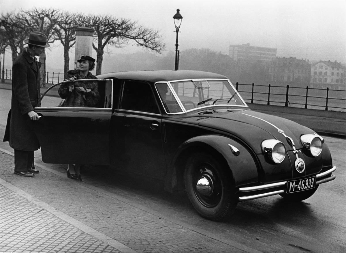 Automobile CSSR: Tatra T77